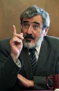 Andres Lira González